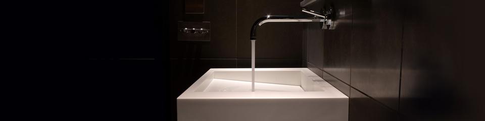 Solidity bathroom sink