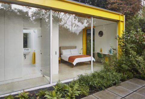 22 Parkside Lodge Room and HI-Macs Bathroom