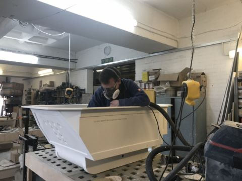 Bespoke Bath Final Polishing