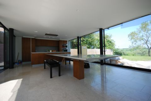 6.5m Cantilever Table
