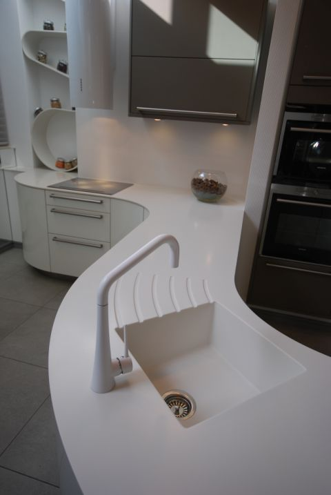 Solid Surface Integrated Sink