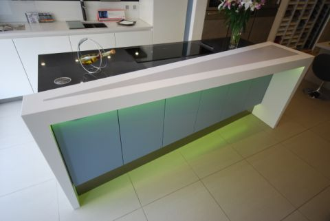 Seamless angled drop end from worktop to floor