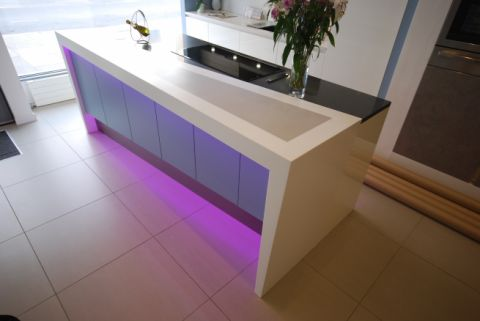HI-MACS S05 - Grey inlaid into S28 - Alpine White countertop