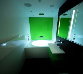 Bespoke Corian Round Bath