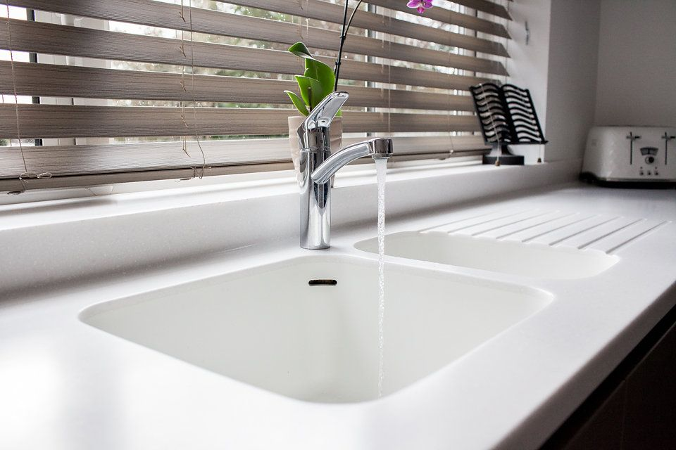 kitchen sinks draining areas solidity rh solidity co uk Corian Sink Counter Corian Solid Surface Countertops