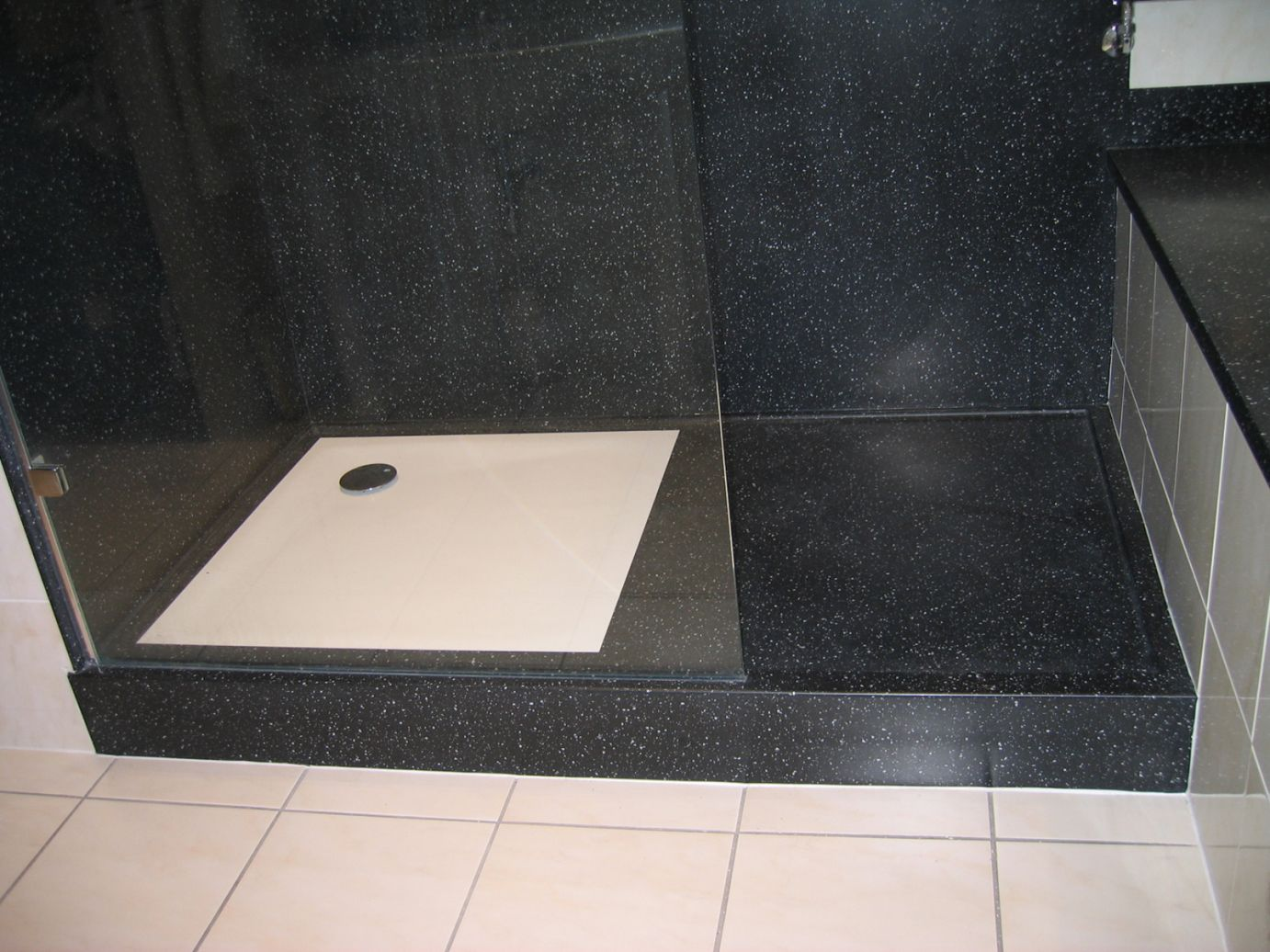 Coloured shower trays | Solidity