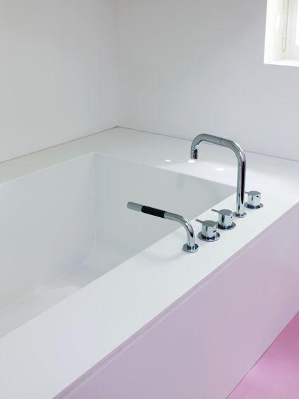 HI-MACS Bespoke Bath and Surround | Solidity