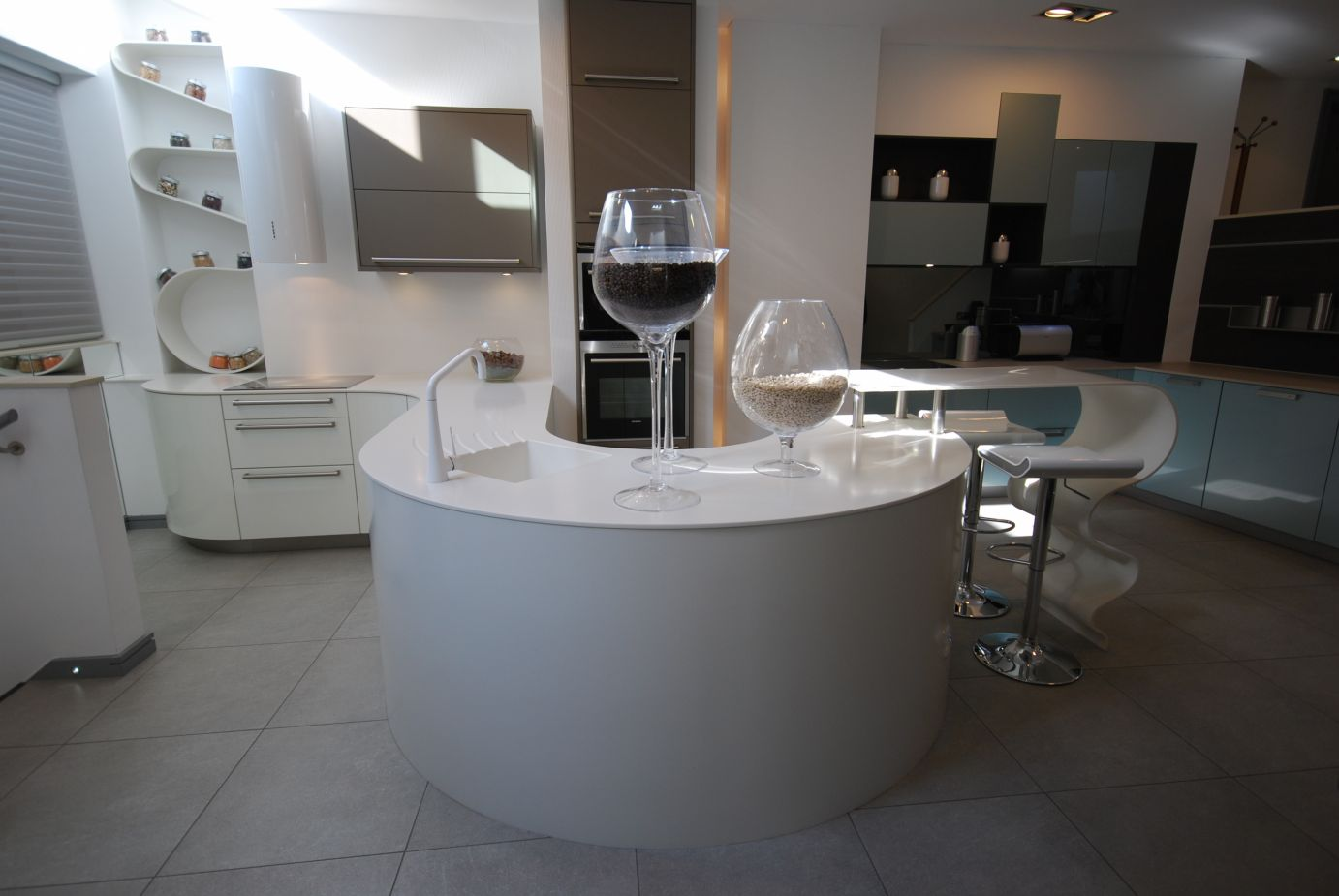 Curved 12mm Thick Worktop
