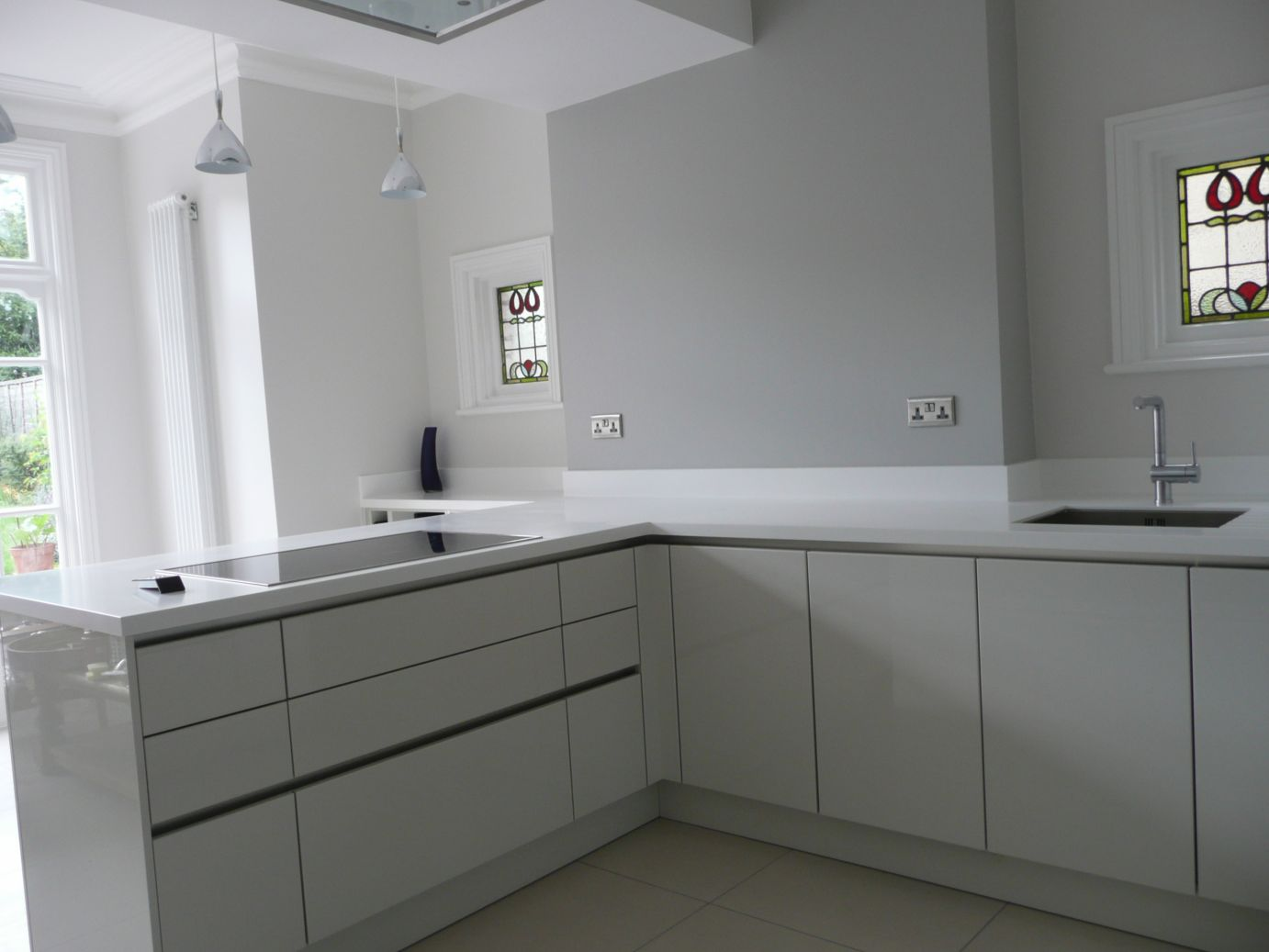 Coved Upstands On Corian Kitchen Worktop Solidity