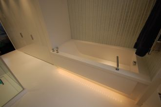 HI-MACS Bespoke Underlit Bath