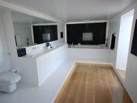 HI-MACS bathroom